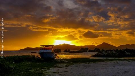 Sunset La Digue